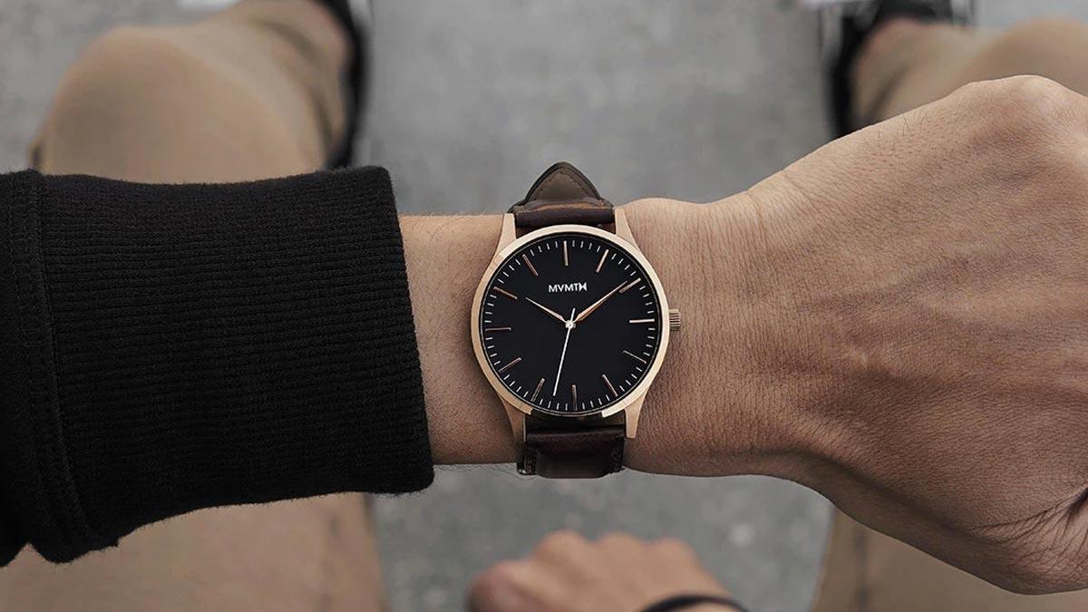 Elegantní hodinky MVMT s koženým řemínkem