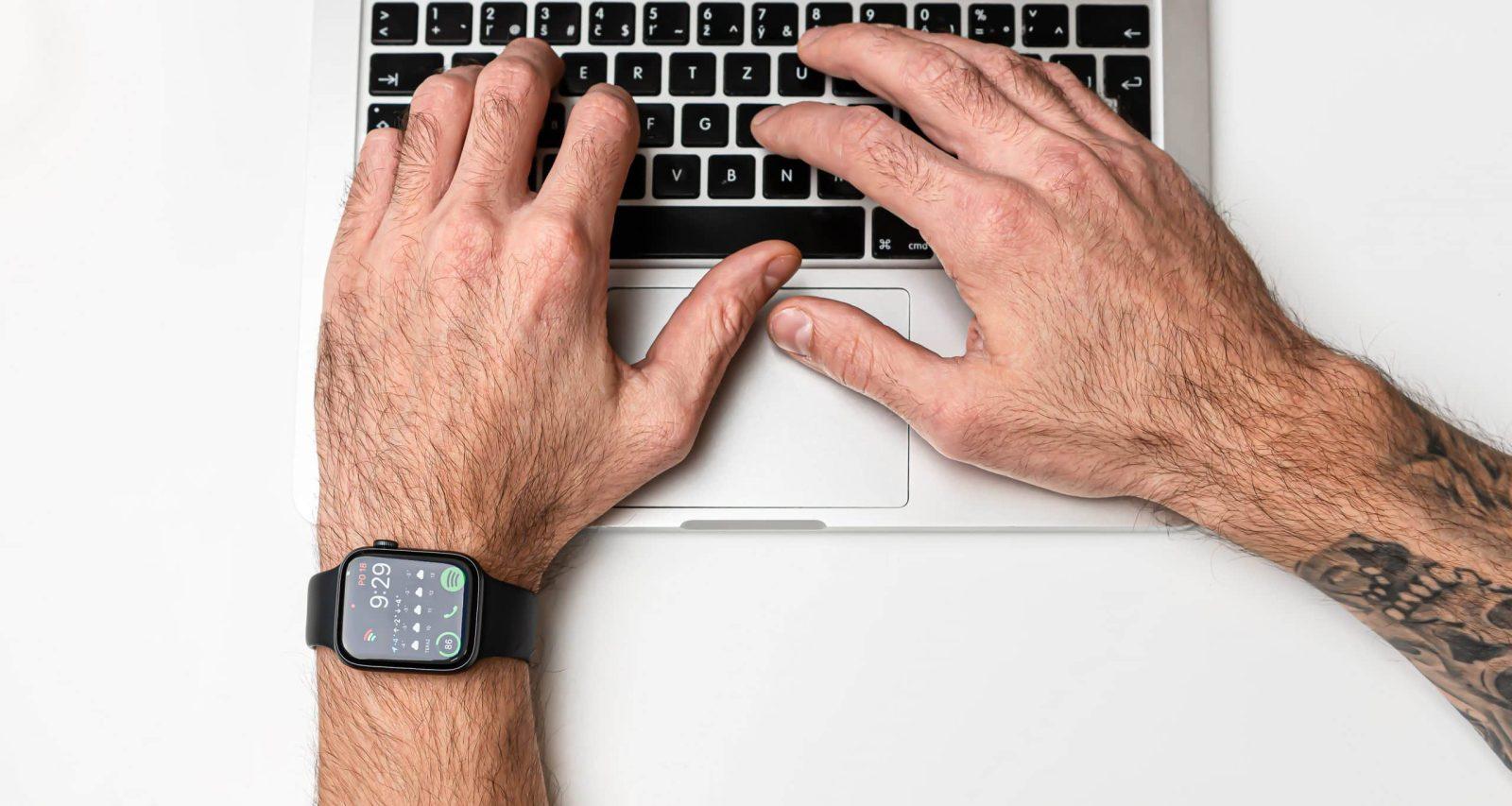 Apple Watch SE překvapí cenovkou i funkcemi