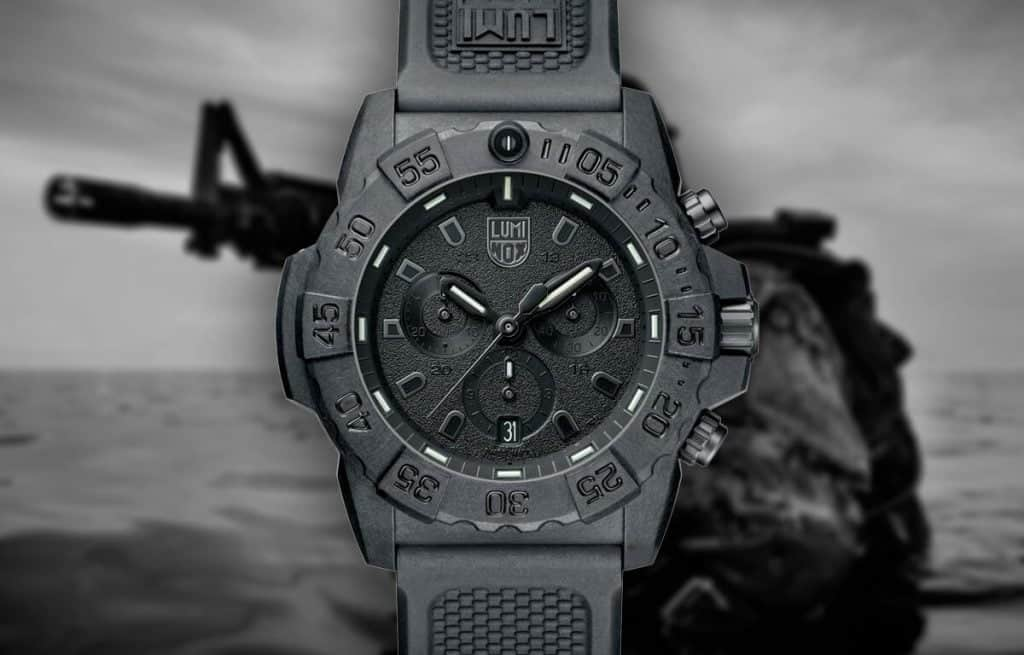Černé vojenské hodinky Luminox